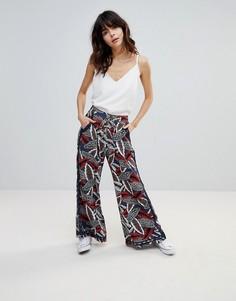 Широкие брюки с принтом листьев Hazel - Темно-синий