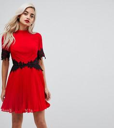 Платье мини с кружевной отделкой и плиссировкой ASOS PETITE - Красный