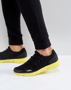 Черные кроссовки с подошвой неонового цвета ASOS - Черный