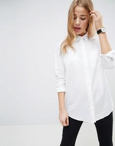 Приталенная рубашка бойфренда из эластичного хлопка со складками на спине ASOS - Белый