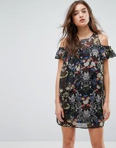 Платье с вырезами на плечах и цветочным принтом Love & Other Things - Черный