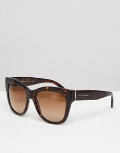 Солнцезащитные оверсайз-очки кошачий глаз в черепаховой оправе Dolce & Gabbana 0DG4270 55 мм - Коричневый