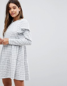 Короткое приталенное платье в клетку с баской Fashion Union - Серый
