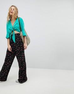 Широкие брюки с цветочным принтом Glamorous - Черный
