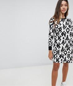 Трикотажное платье с принтом букв Noisy May - Мульти