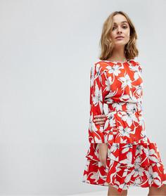 Чайное платье с цветочным принтом и оборкой на подоле Vero Moda - Мульти