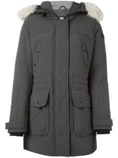 пальто-пуховик с отделкой из лисьего меха Peuterey