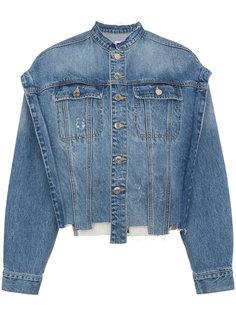 джинсовая куртка со вставкой с надписью SJYP