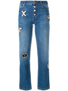 джинсы на пуговицах с заплатками Each X Other