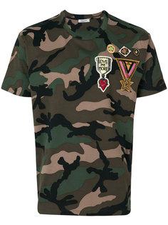 футболка с камуфляжным узором и заплатками Valentino