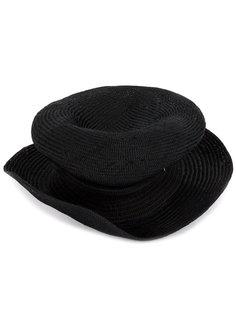 шляпа асимметричной формы Horisaki Design & Handel