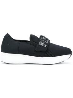 кроссовки с логотипом  Prada