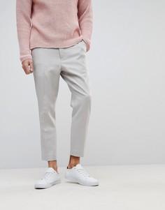 Серые суженные книзу строгие брюки из 100% мериносовой шерсти ASOS - Серый