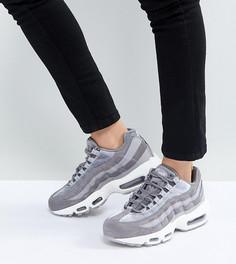 Купить женские высокие кеды и кроссовки Nike в интернет-магазине ... 050b11b58a7