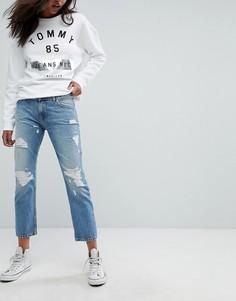 Укороченные прямые джинсы с прорехами и классической талией Tommy Jeans Lana - Синий