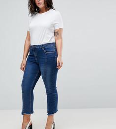 Укороченные расклешенные джинсы с необработанными краями Urban Bliss Plus - Синий