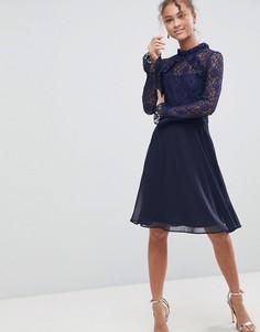 Платье с высоким воротом и кружевными рукавами Elise Ryan - Темно-синий