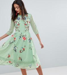 Короткое приталенное платье миди с цветочной вышивкой ASOS TALL PREMIUM - Мульти