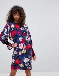 Платье с цветочным принтом Minimum - Синий
