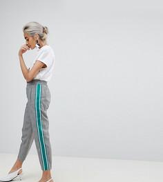 Суженные книзу клетчатые брюки с отделкой в спортивном стиле ASOS PETITE - Мульти
