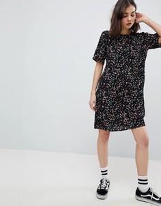 Чайное платье с цветочным принтом Pieces - Мульти