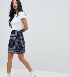 Мини-юбка с платочным принтом и завязкой Glamorous Petite - Темно-синий
