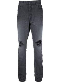 рваные джинсы John Elliott