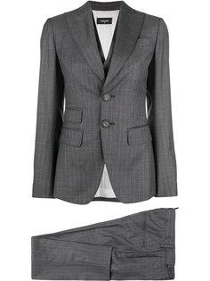 приталенный костюм строгого кроя Dsquared2
