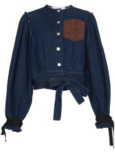 джинсовая куртка с кожаным карманом  JW Anderson