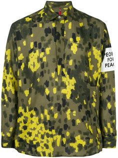 рубашка с заплаткой и камуфляжным узором Oamc
