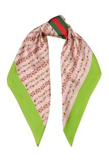 Розовый шелковый платок с цветами Gucci