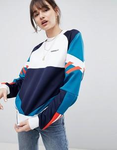 Свитшот в стиле колор блок adidas Originals Nova - Темно-синий