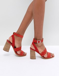 Замшевые сандалии с отделкой заклепками ASOS TESSIE - Красный
