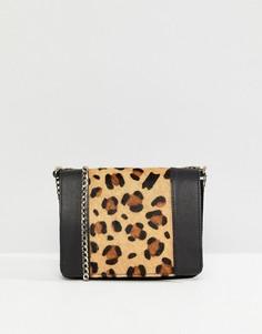 Кожаная сумка через плечо с леопардовым узором ASOS - Черный