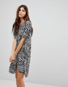 Свободное платье-рубашка с принтом Vero Moda - Черный