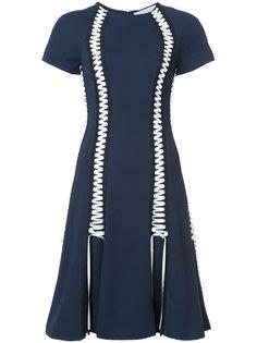 платье со шнуровкой и расклешенной юбкой Jonathan Simkhai