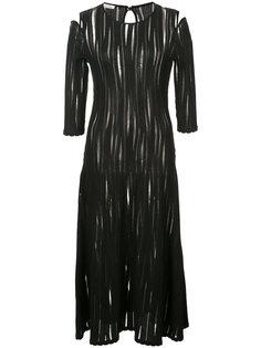 полупрозрачное плиссированное платье с открытыми плечами  Oscar de la Renta