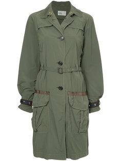 пальто с поясом в стиле милитари Kolor