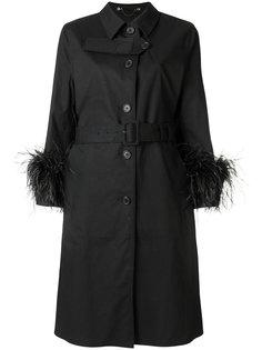 пальто с отделкой из перьев Prada