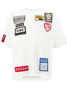 футболка с заплатками Maison Mihara Yasuhiro