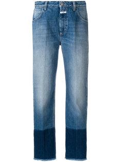 укороченные джинсы с контрастными манжетами Closed