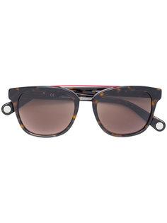 солнцезащитные очки SHE685 Carolina Herrera