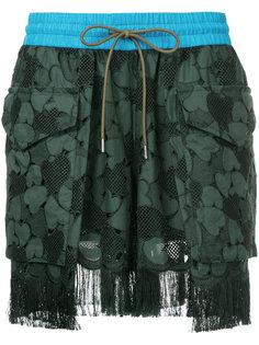 шорты с вышивкой и бахромой Sacai