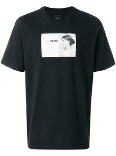 футболка с фото-принтом Oamc