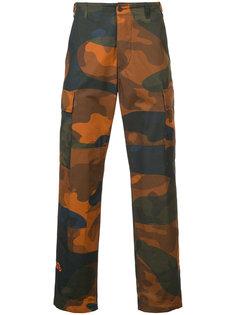 брюки-карго с камуфляжным рисунком Heron Preston