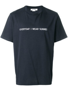 футболка с принтом Everyday I Wear Sunnei  Sunnei