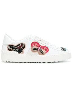 кроссовки с бабочками с украшением из бусин Valentino