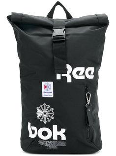 рюкзак с ремешком с пряжкой и принтом логотипа Reebok