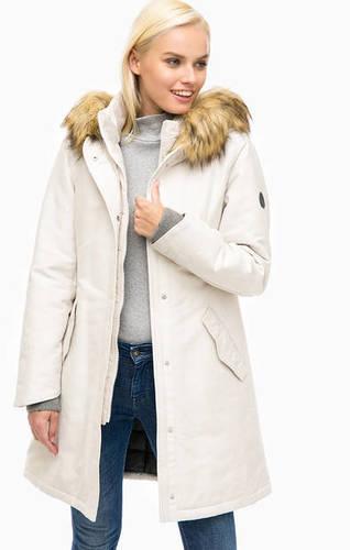Длинная зимняя куртка с меховой отделкой