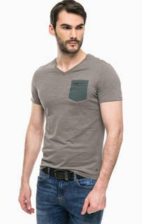Однотонная футболка с карманом Guess